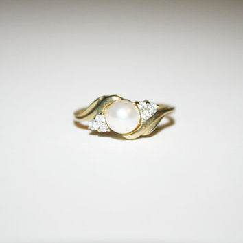 Size 7 10K Gold and Fresh water Pearl Ring Vintage Gold Ring Free US Shipping