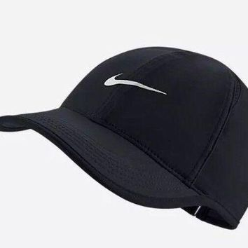 DCCKWA2 Nike Aerobill Featherlight Dri-Fit Black/White Unisex Tennis Cap Hat 679421-010