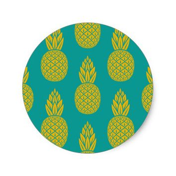 Tropical Hawaiian Pineapple Pattern Round Sticker