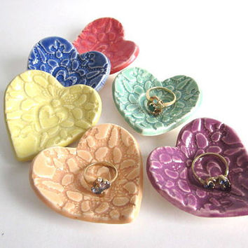 Wedding shower favors - Ring holder, ring dish, 5 Bridal shower favors,  Birthday party favors, ceramic pottery (c)
