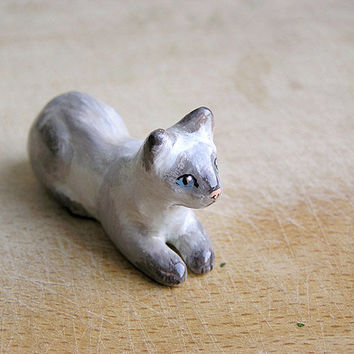 Animal Totem Siamese Cat, cat totem, cat tiny figurine, home decor, pocket zoo, beige and grey