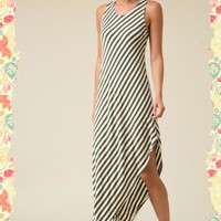 Diagonal Delight Maxi Dress (olive)