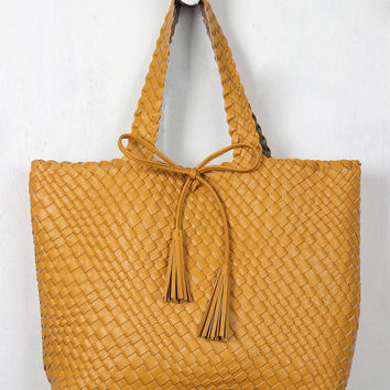 Honey Oak Woven Bag