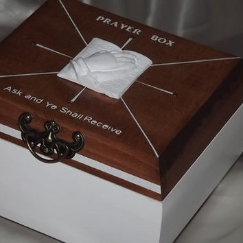 Deluxe** PRAYER BOX. Praying hands on bible. White, Rosewood. Can be Personalised. Keepsake. Trinket Box. Jewellery Box.Affirmation Box