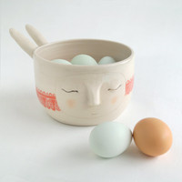 Sweet bunny noodle bowl, pink (galah) hearts ribbon carved from cheek to cheek.