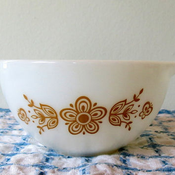 Vintage Pyrex Mixing Bowl- Butterfly Gold Pattern- White and Gold- 1.5 PT Cinderella Mixing Bowl- 20% Off PRE-CHRISTMAS Store Wide Sale