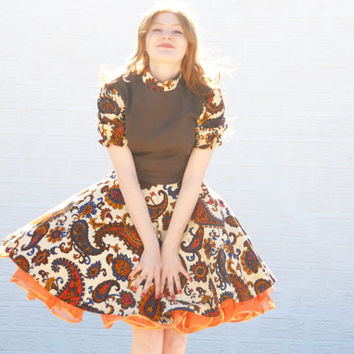 Vintage paisley dress, brown orange circle skirt boho retro print fall autumn 1970s 1950s 1940s square dance M Gabriel