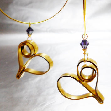Dangle heart earrings - Wire wrapped earrings - Gold and purple