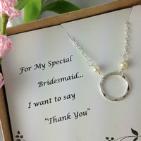 Bridesmaid Gift, Eternity Cirrcle Necklace, Freshwater Pearl, Wedding, Maid Of Honor, Mother Of Bride, Unique Bridesmaids Gift, Hammered