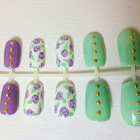 Studded Floral Press On Fake Nails