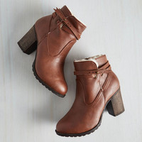 Safari Oregon Trailblazer Bootie in Cognac