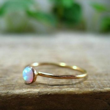 DCCKHNW Stacking Ring Gold White Fire Opal