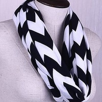 Chevron Infinity Scarf Cotton Double Layer Loop (Black)