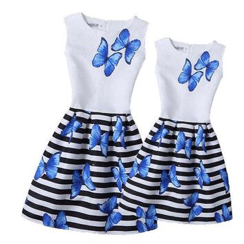 13 Colorful Butterfly Mother And Daughter Dresses 2017 Girls Printed Dress Family Matching Clothing Mom Girl Clothes Mae E Filha