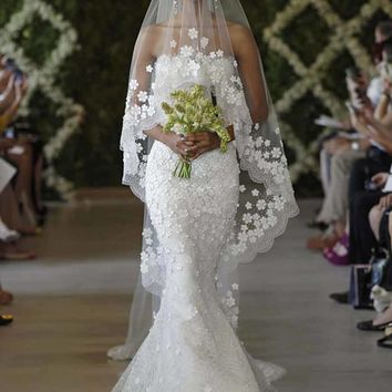 OSCAR DE LA RENTA 44E10 WEDDING DRESS