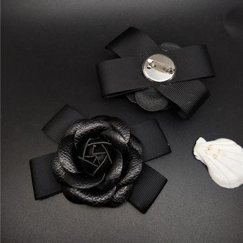 High Quality Pu Leather Camellia Flower Brooch Pin Mix Colors Bow Flower Brooches For Hat Handbag Coat Decoration Jewelry