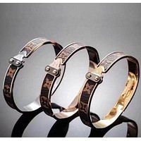 LV 'Louis Vuitton' Retro Women Men Stylish High end Bracelet(3-Color) I