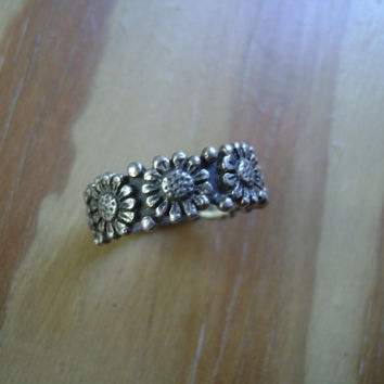 vintage sterling daisy ring size 7