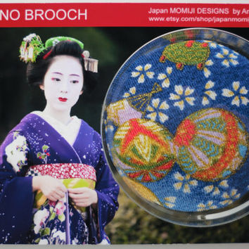 "accessory for her, Japanese kimono fabric brooch, P4, 2,7"" handmade, fabric pin back, accessory, japanese brocade fabric pin, bridal brooch"