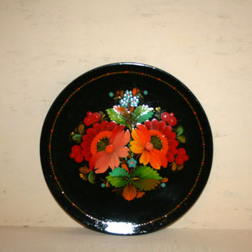 Russian Folk Art Black Floral Lacquered Wood Tray Ethnic Bohemian Khokhloma Toleware Painted Wood Plate Wood Wall Hanging Made in the USSR