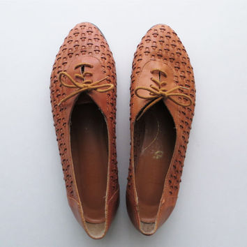 90s Woven Leather Flats, Lace Up Summer Shoes, Brown TAN Tie Shoes, Women US Size 9.5 or Euro 40