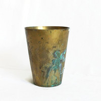 Metal tumbler vintage brass, carved INDIAN cup hand etched. Exotic floral etching, patina VERDIGRIS, weathered home bar drinkware W/o handle