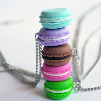 Macaron necklace, Polymer Clay Food neckalce, Macaron jewelry, Miniature food jewelry, French macaron, Parisian Miniature Pastries