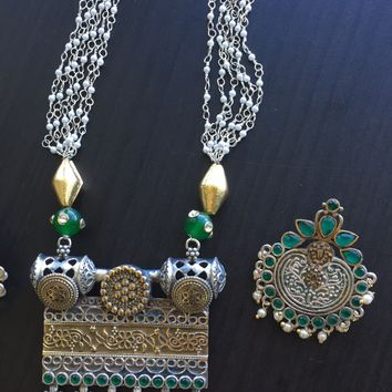 Dual Tone Emerald Necklace Layered Pearl Chains