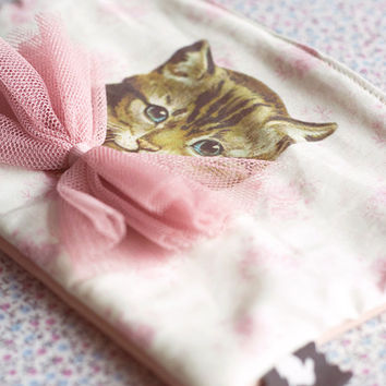 Cat purse,Cat wallet.Cat bag. Zipper pouch.Cat Lovers accessories.Kitty Pencil Case /Make Up Bag / Gadget Pouch.Vintage Kitten Cosmetic bag.