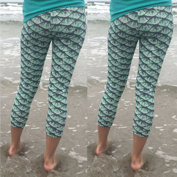 Scale Patterned Cropped Leggings