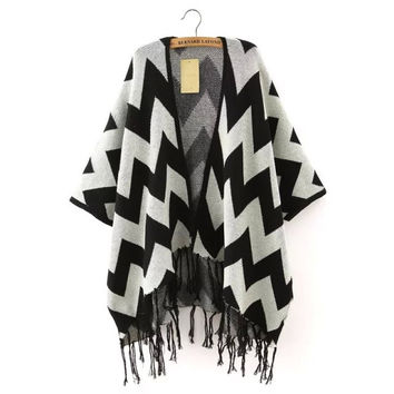 Zig-Zag Pattern Sleeve Fringed Cardigan