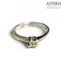 Peridot ring - Solitaire ring - Small ring - Simple ring - August Birthstone - August gemstone - Green gemstone - Thin ring