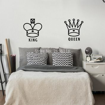King and Queen Lover Couple Wall Decal Crown Pattern Art Mural Wall Sticker for Bedroom Living Room Decoration