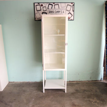 INDUSTRIAL White Metal Pharmacy Cabinet with Glass Door (Los Angeles)