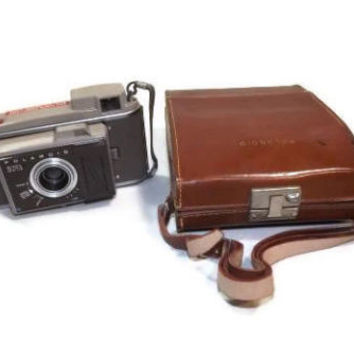 VINTAGE POLAROID Flash Camera J33 w/ Original Leather  Tan Case