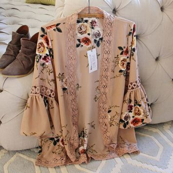 Romantique Rose Duster in Taupe
