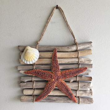 Starfish Wall Hanging/ Beach Decor/ Driftwood Wall Hanging/ Ocean Decor/ Driftwood Decor/ Coastal Decor/ Nautical Home Decor