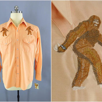 Vintage 1970s Western Shirt / SASQUATCH SASQU-WATCH / Custom Embroidery / Ely Cattleman / Rockabilly / Yeti