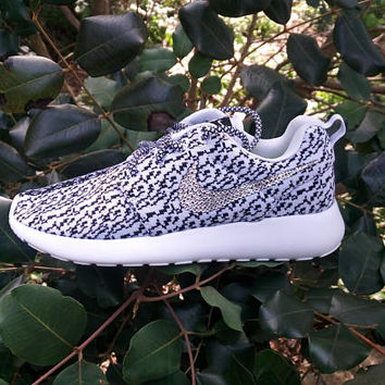 custom nike roshe run yeezy 350 printed womens athletic shoes blinged with swarovski crystals customized nike roshe run womens sneakers