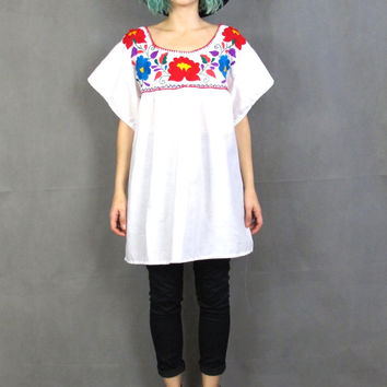 Vintage Mexican Blouse Floral Embroidered Peasant Blouse Short Sleeve Tunic Top White Cotton Shirt 70s Hippie Festival Hand Made Blouse (L)