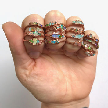Opal Ring // October Birthstone // Opal and Copper Ring /// Raw Stone Ring /// Ethiopian Welo Opal Ring /// Boho Jewelry