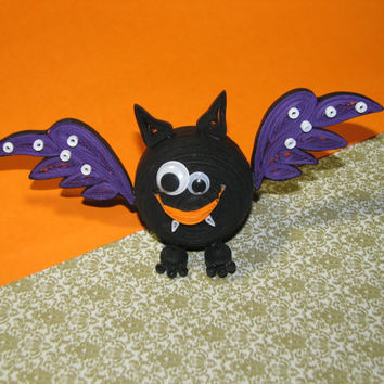 Quilling crafts on Halloween: spider, a cat and a bat.