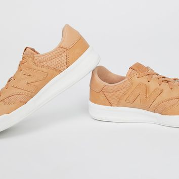 300 Leather Court Sneaker