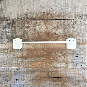 Towel Bar White Hand Towel Bar Mid Century Towel Rod Short Retro Towel Bar Industrial Bathroom Towel Rack Kitchen Towel Bar Towel Bar