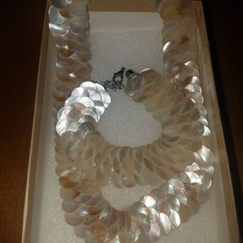 Vintage Mother Of Pearl Necklace and matching Bracelet