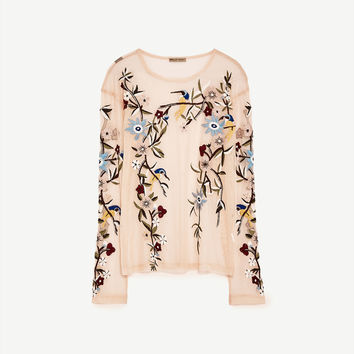 3a18e028 EMBROIDERED TULLE T-SHIRT DETAILS from ZARA