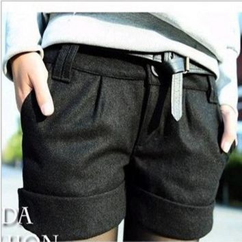 Solid casual woolen blend shorts
