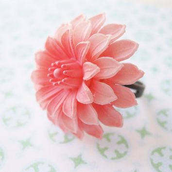 Pink Dahlia Ring.  Adjustable Ring. Vintage Plastic Flower. Antiqued Copper Plated Base. Cocktail Ring - RETRO - FUN