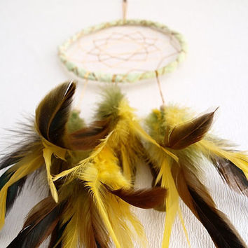 Dream Catcher - Stunning Summer - With Yellow and Green Feathers, Light Green Frame, Transitional Brown Nett - Home Decor, Mobile