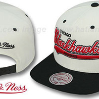 Blackhawks '2T TAILSWEEPER SNAPBACK' White-Black Hats by Mitchell & Ness